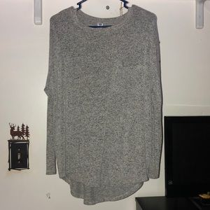 Grey pocketed Old Navy sweater.